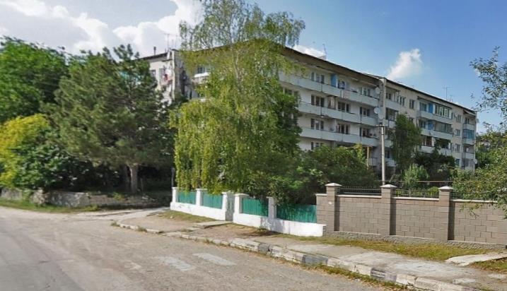 Проблему канализирования дома № 90А по улице Ленина в пгт. Куйбышево будут решать