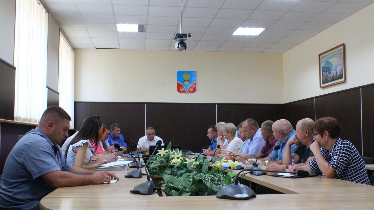 Генеральный директор Югжилсервис-2 принял участие в аппаратном совещании при главе Красногвардейского района