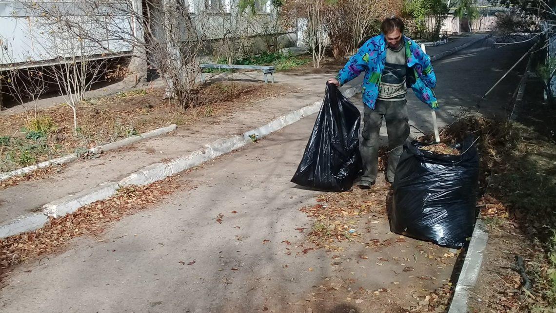 В селе Крымском Югжилсервис-2 начал уборку улиц