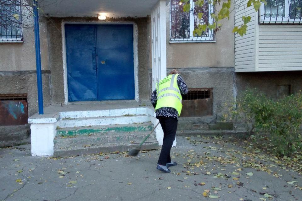 Проведён ремонт входных групп в доме № 3 «Б» по ул. Горького, г. Керчь